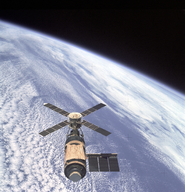Space History Photo: Skylab and Earth Limb