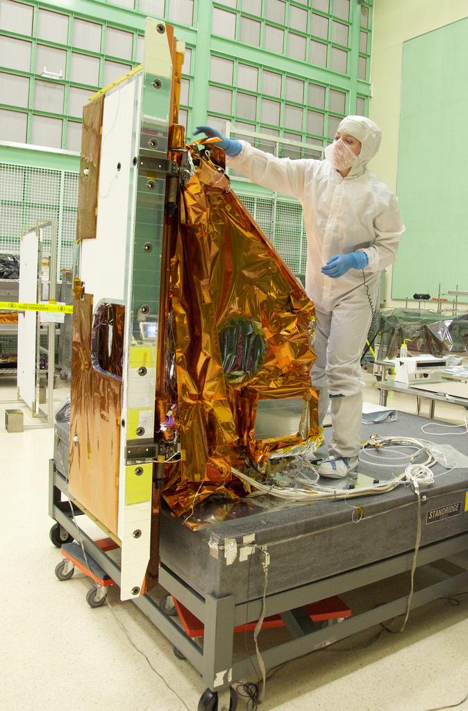 Assembly of Landsat's TIRS Instrument