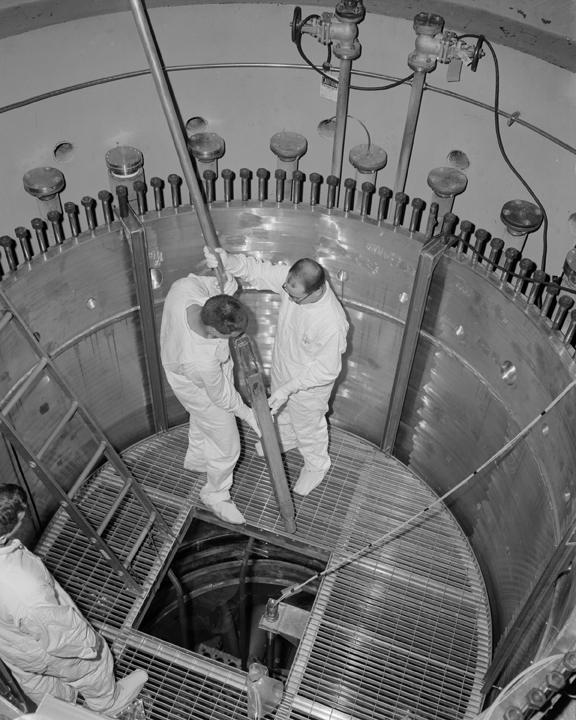 Space History Photo: Jack Crooks and Jerold Hatton Inside Reactor Tank