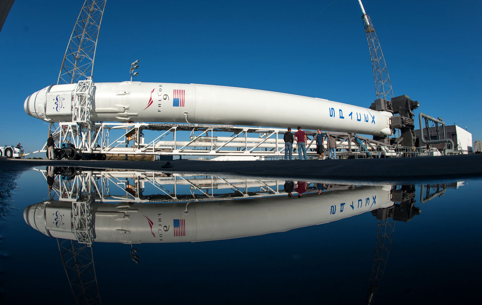 SpaceX Falcon 9 Rocket Rolls Out: CRS-2