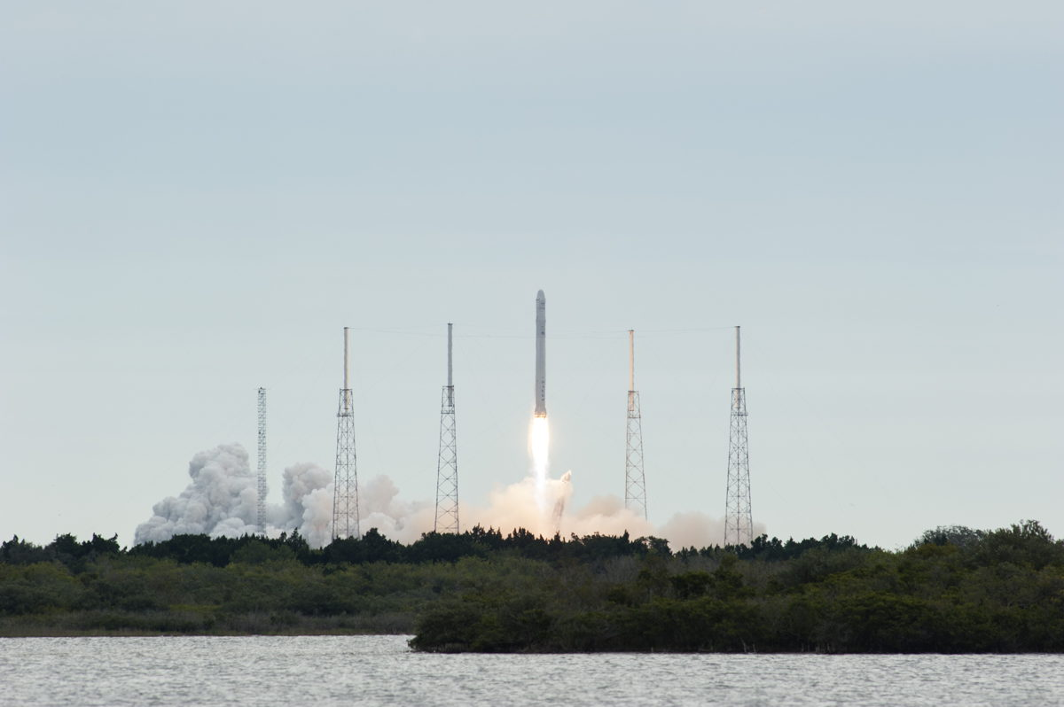 Dragon Capsule Launches from Cape Canaveral