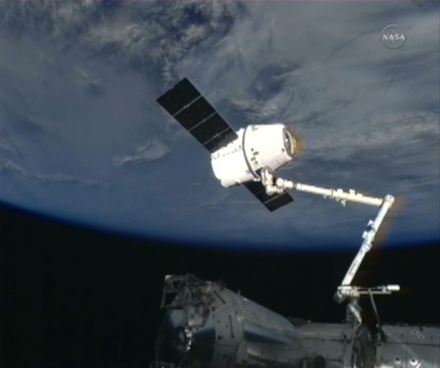 SpaceX Dragon Capsule Docks at Space Station