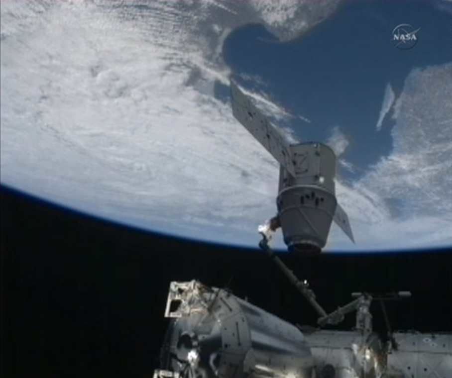 SpaceX Dragon and the Earth on CRS-2