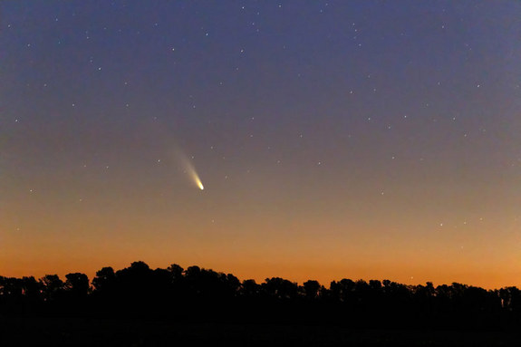 "Astrophotographer Luis Argerich of Buenos Aires, Argentina, took this photo of Comet Pan-STARRS taken on March 2, 2013. He writes: ""Easy to see with the naked eye from rural locations."""