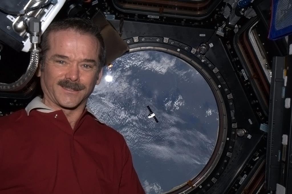 Queen Elizabeth II Congratulates 1st Canadian Space Station Commander