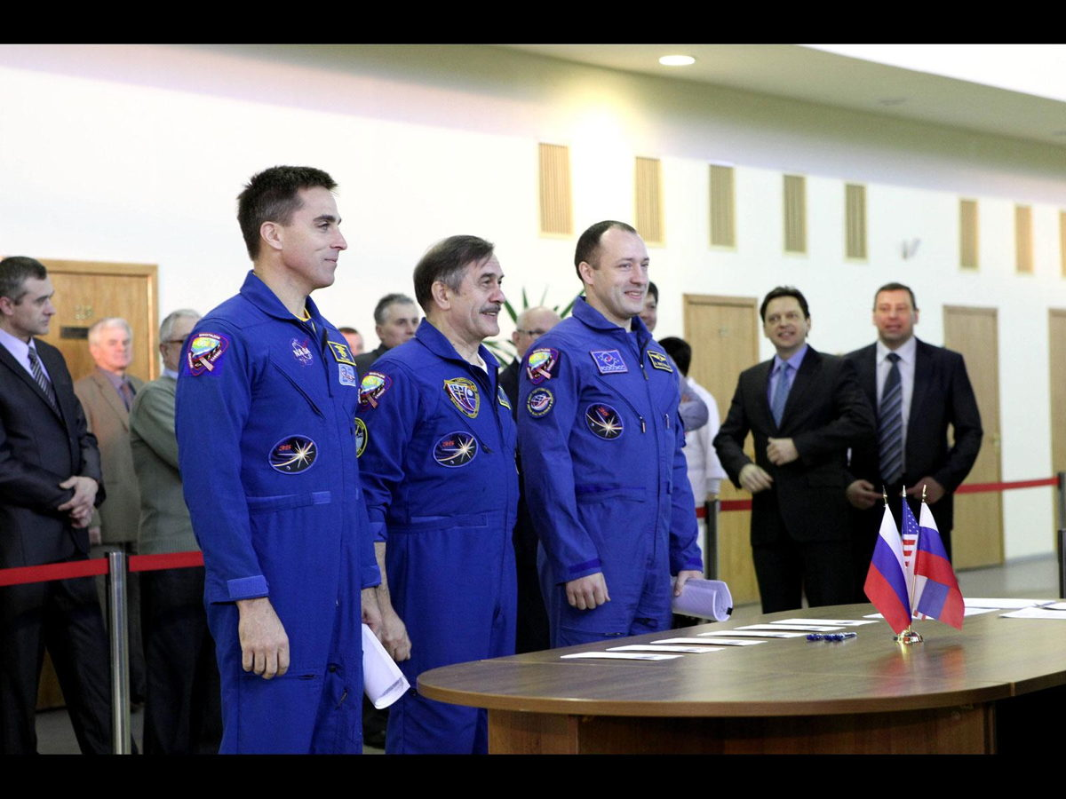 Expedition 35-36 Crew Members Reporting for Duty