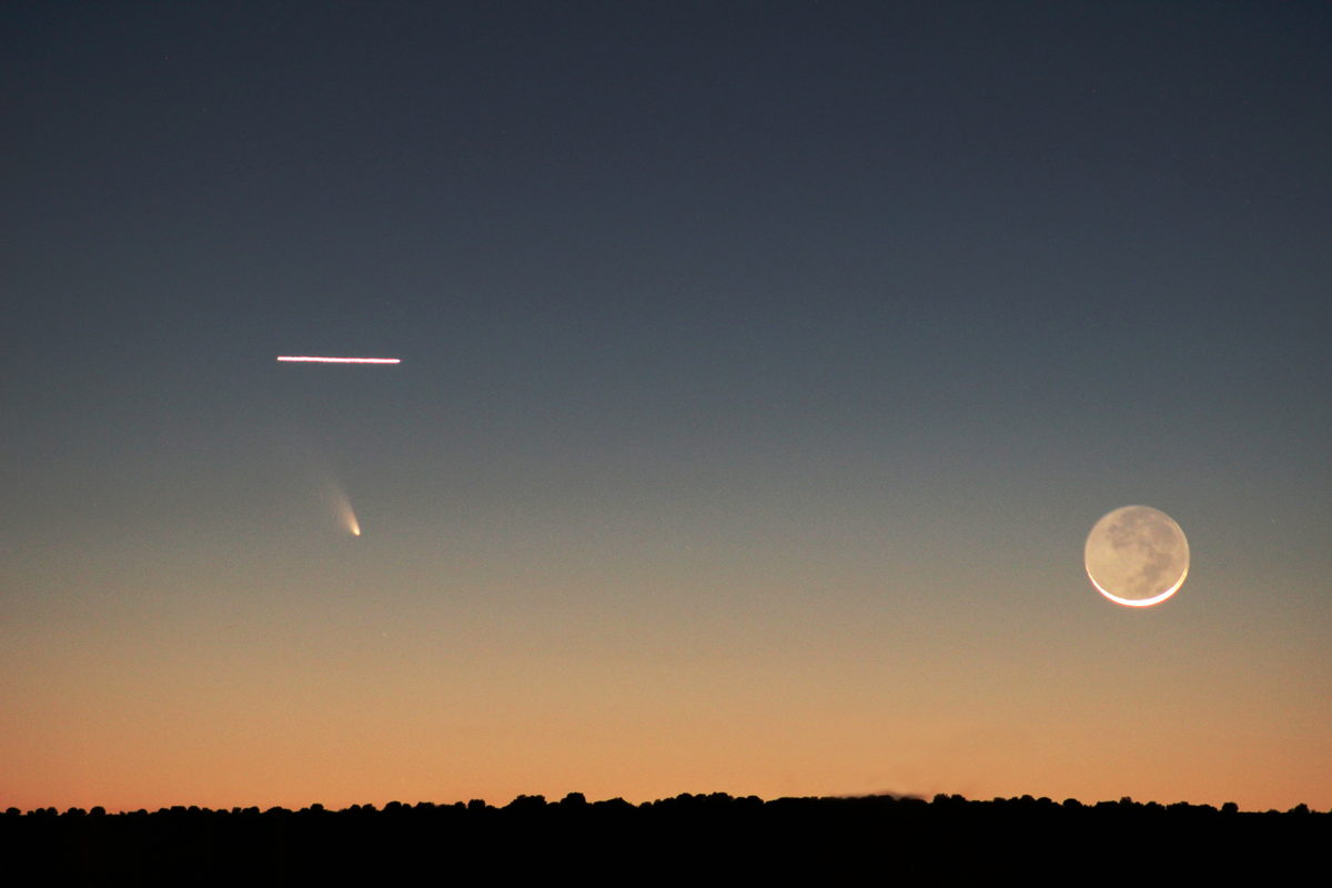 Moon, Airplane and Comet Pan-STARRS Over Rio Rancho, NM
