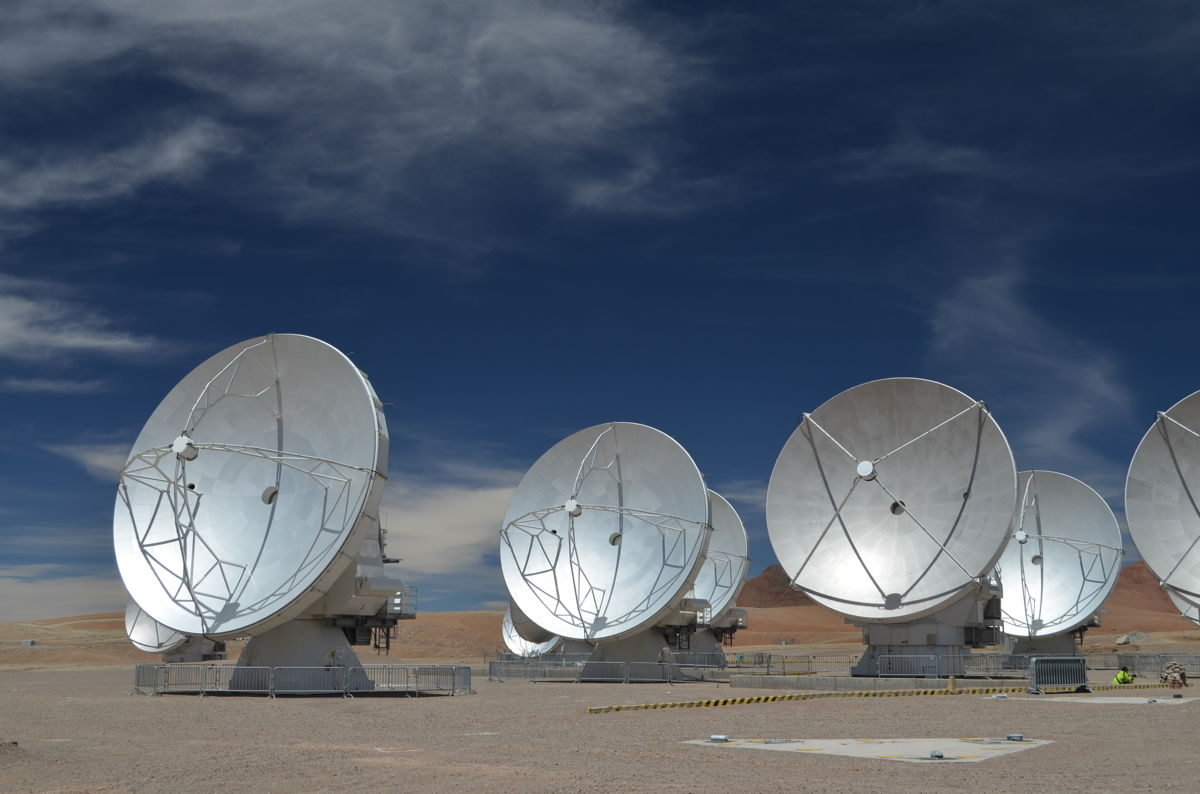 Giant Radio Telescope in Chile Opens for Cosmic Business