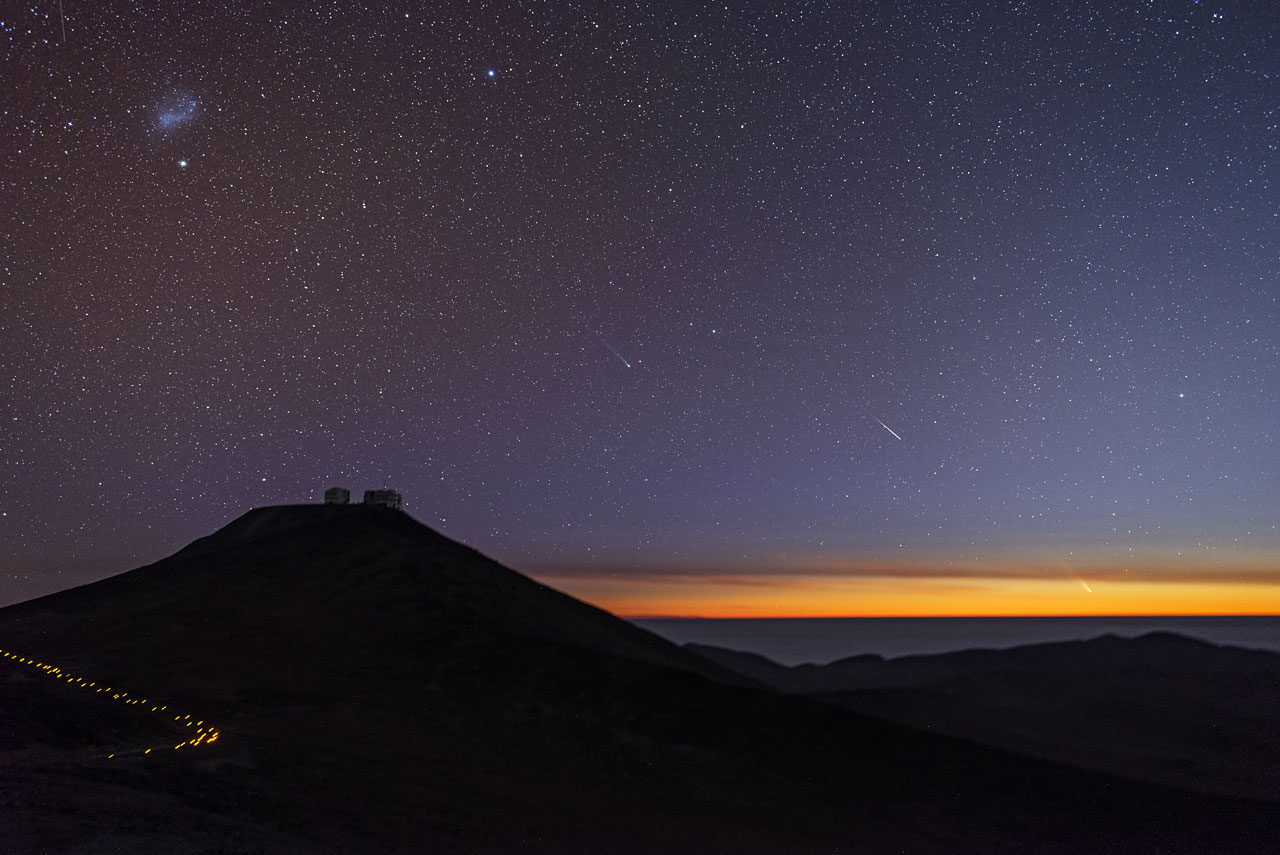 Comets Lemmon and Pan-STARRS Over Paranal Observatory