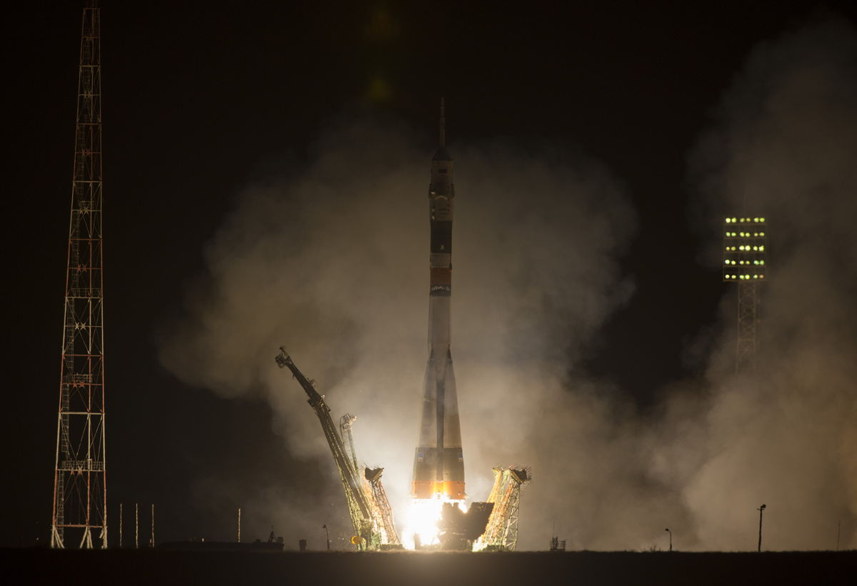 Soyuz Rocket Launches 'Express' Trip to Space Station (Photos)