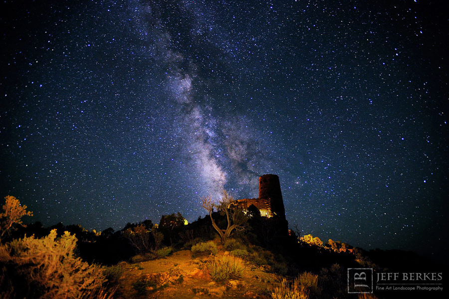 Milky Way Shines Over Grand Canyon Watchtower in Spectacular Photo