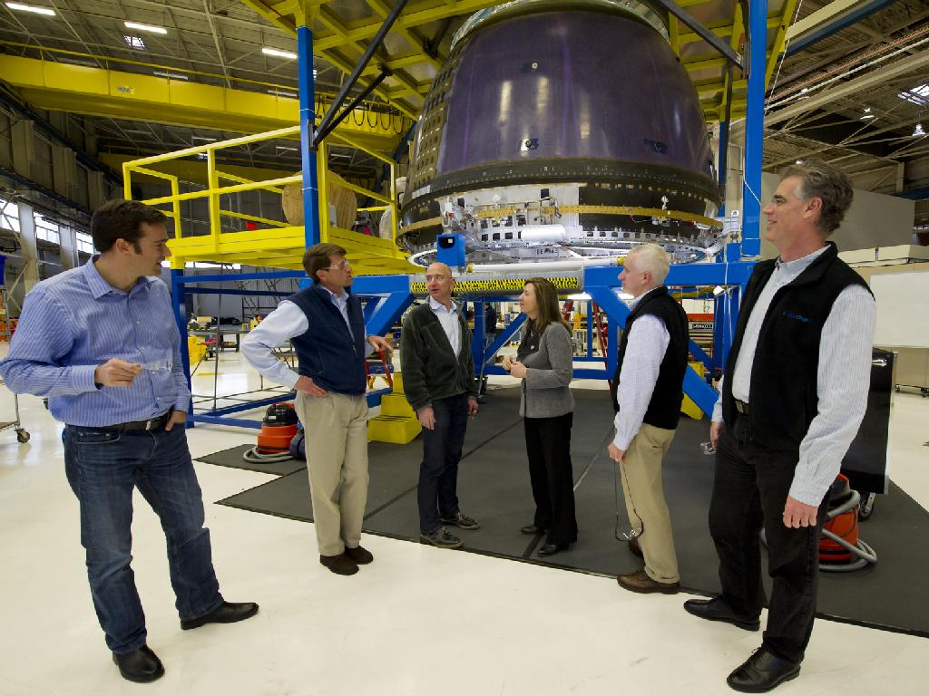 NASA Deputy Administrator Tours Blue Origin