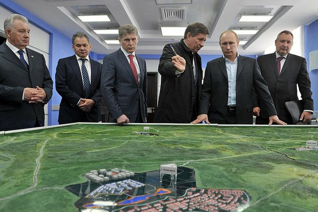 President Putin Looking at Model of Vostochny Space Launch Centre