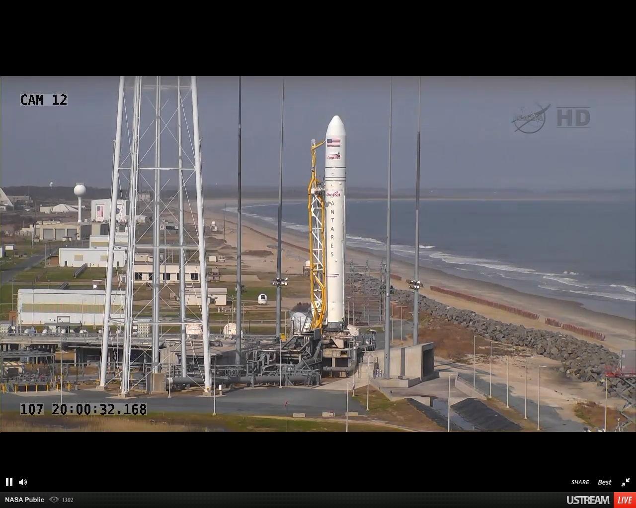 Photos: Orbital Sciences' 1st Antares Rocket Test Flight