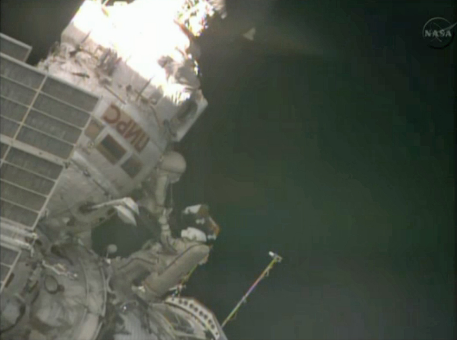Russian Cosmonauts Take Spacewalk: Expedition 35