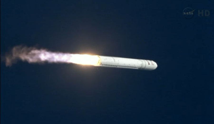 Photos: Orbital Sciences' 1st Antares Rocket Test Flight