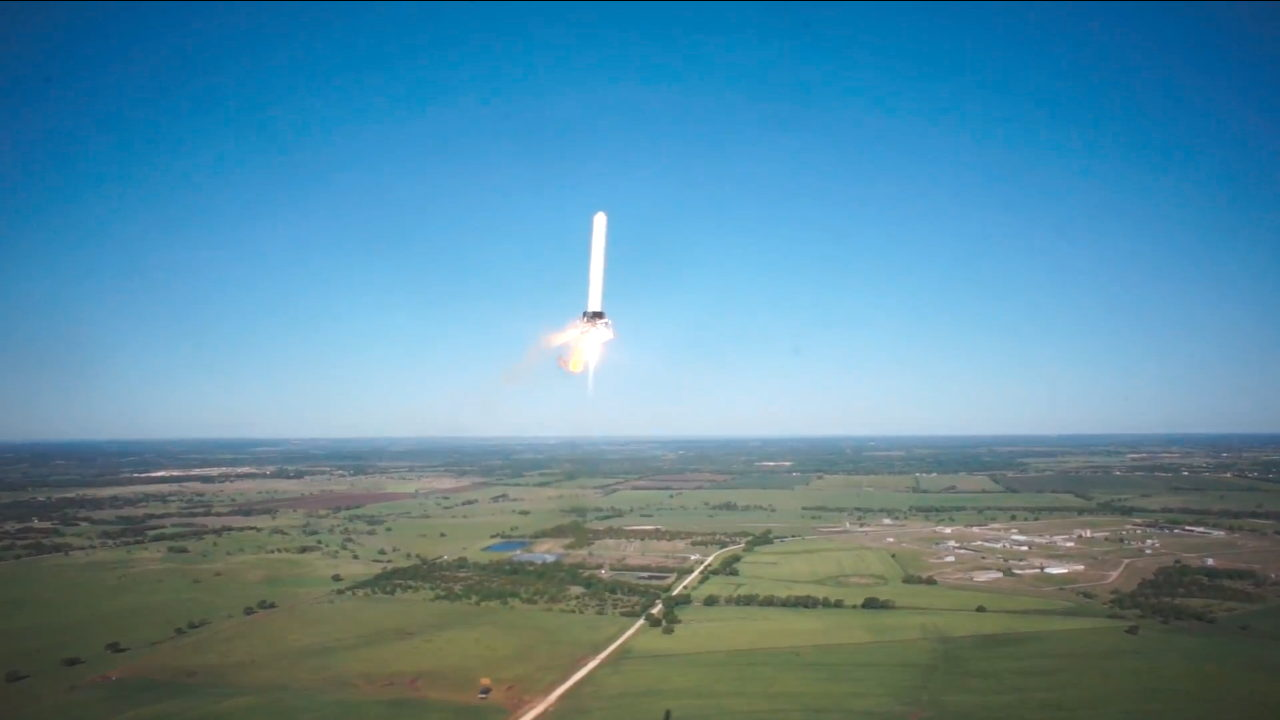 paceX's Grasshopper 820-Foot Test Flight Hovering