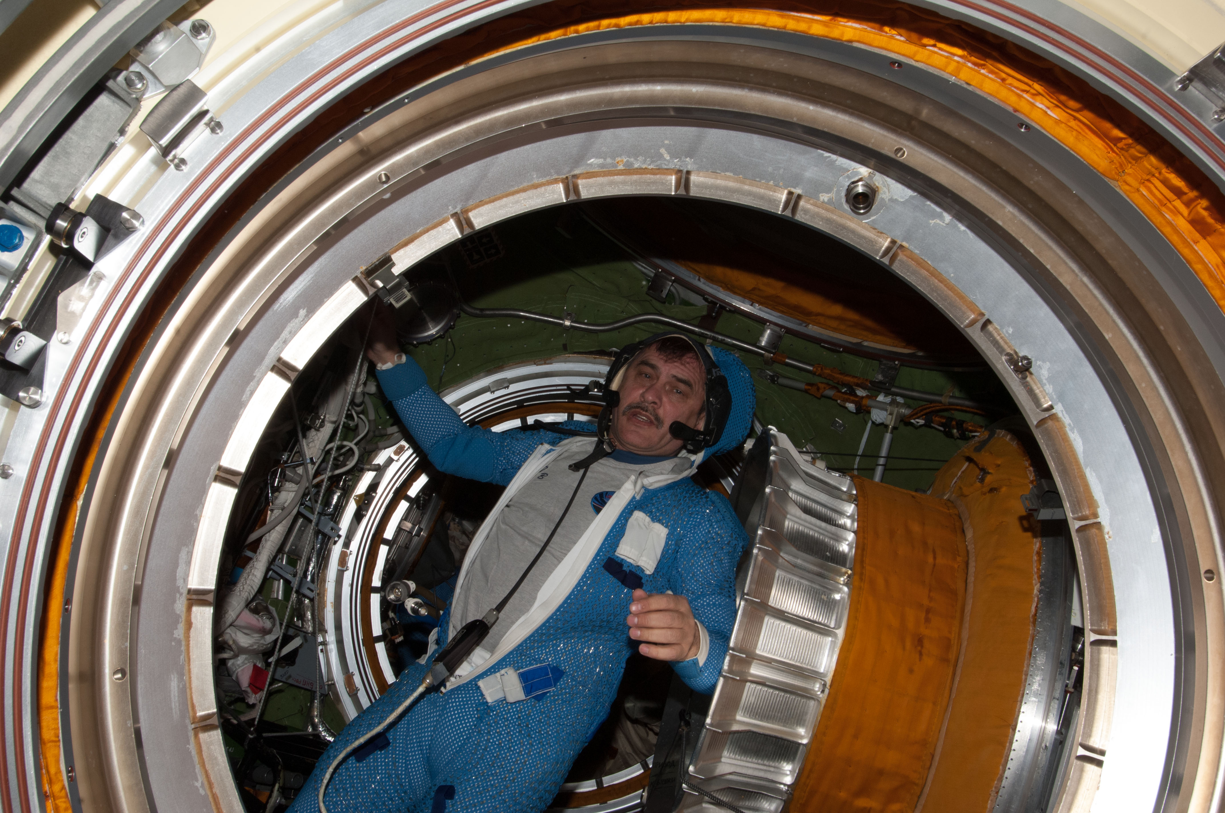 Russian cosmonaut Pavel Vinogradov Ready For Spacesuit