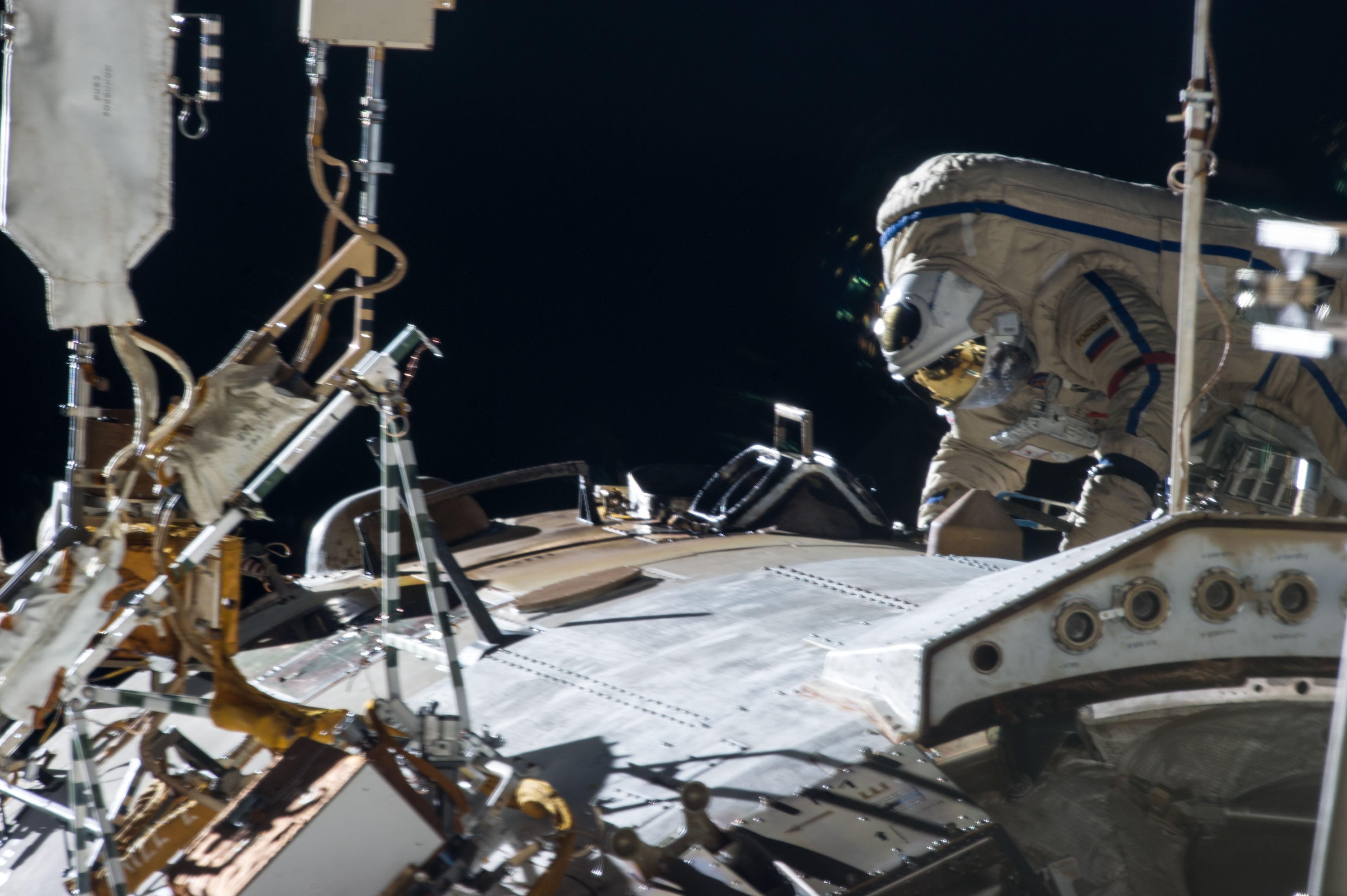 Expedition 35 Spacewalk to Upgrade Exterior