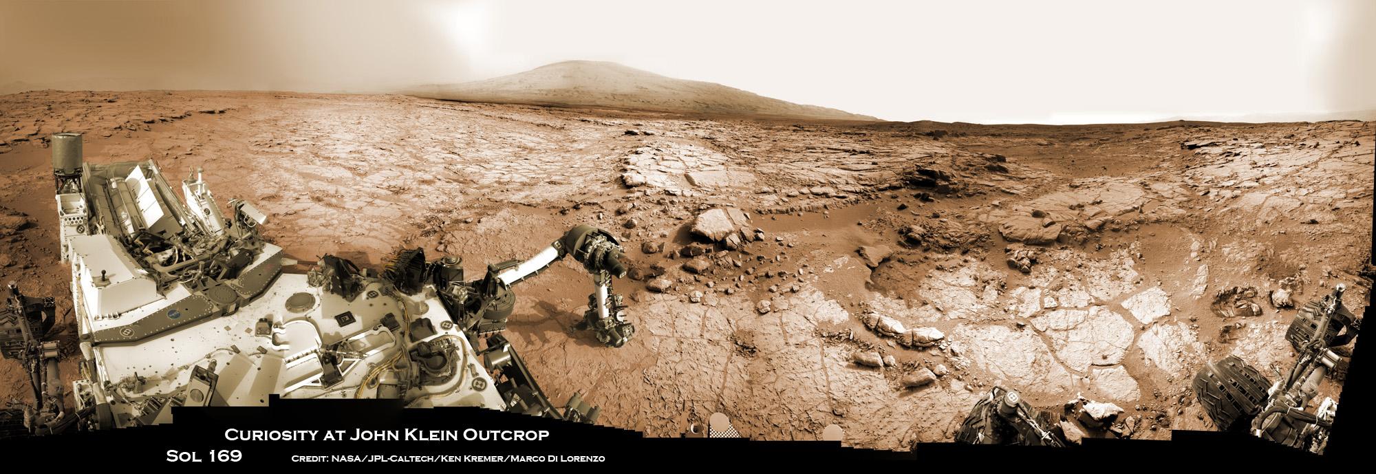 Stunning Mars Panoramas Capture Curiosity Rover at Work ...