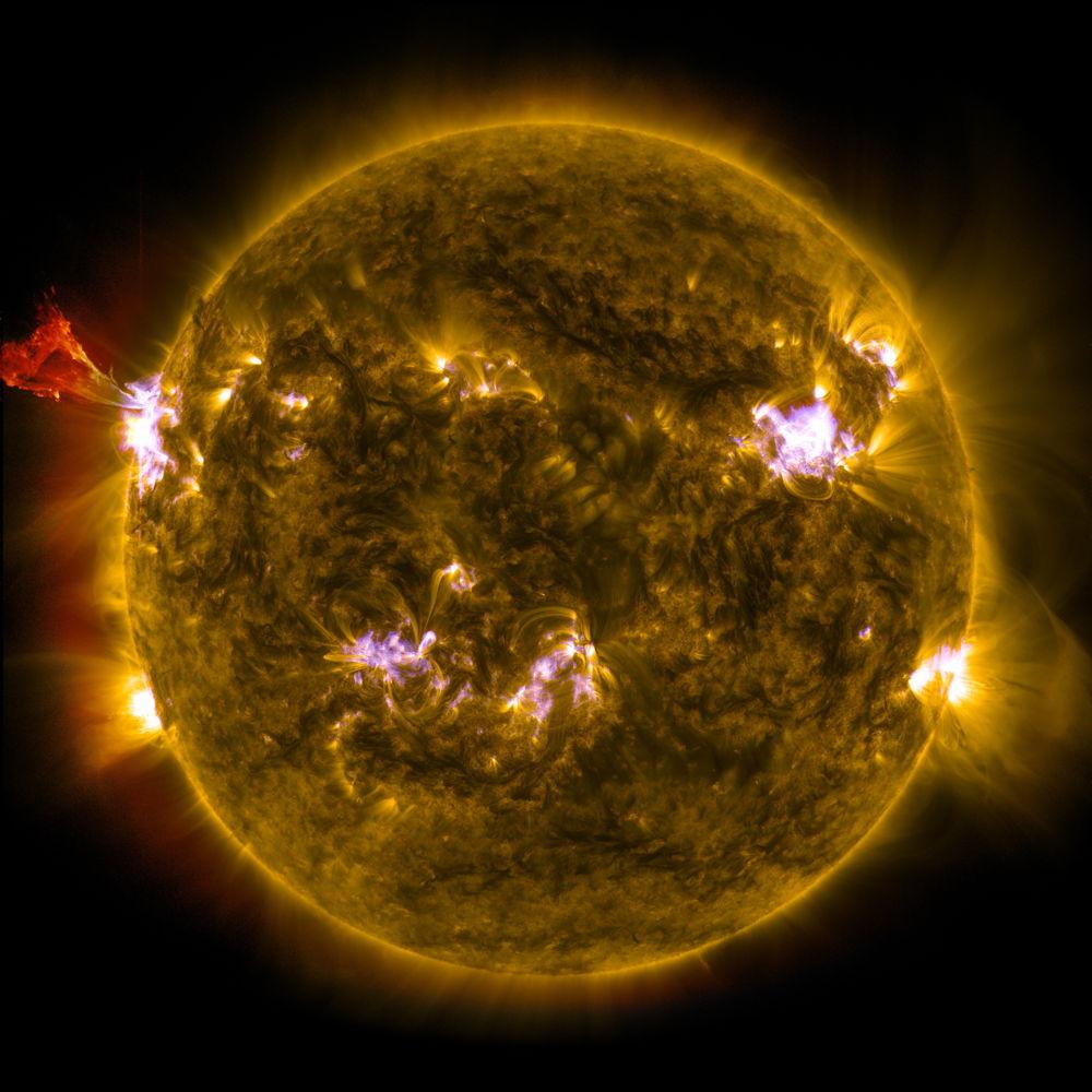 Latest Sun Photos by NASA's Solar Dynamics Observatory