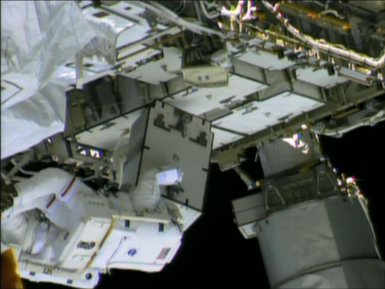 Spacewalks Inspect Ammonia Pump Box