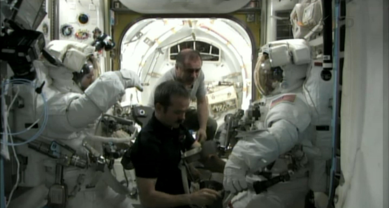 Emergency Spacewalk Suit Up: May 11, 2013