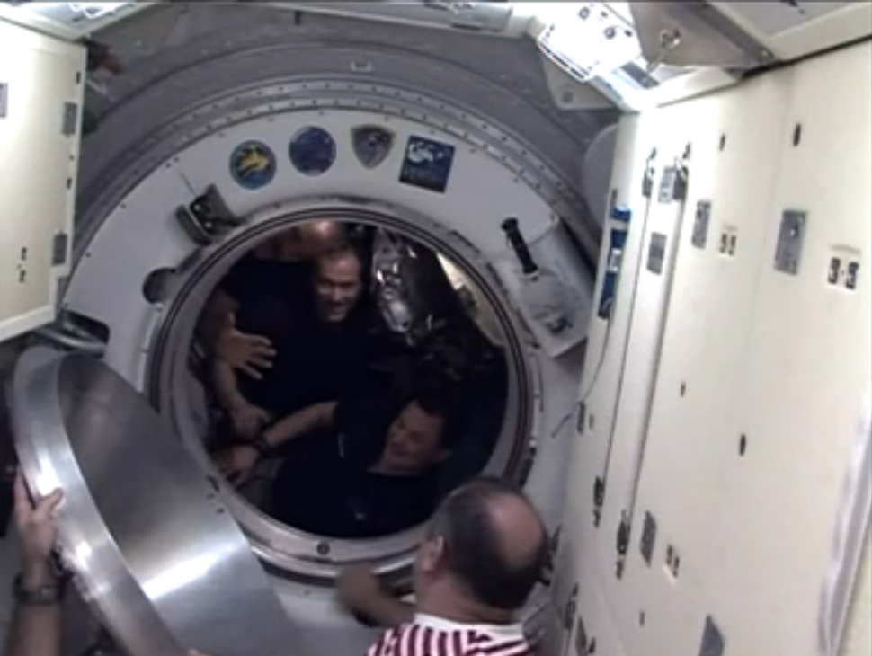 Expedition 35 Crew Bids Farewell