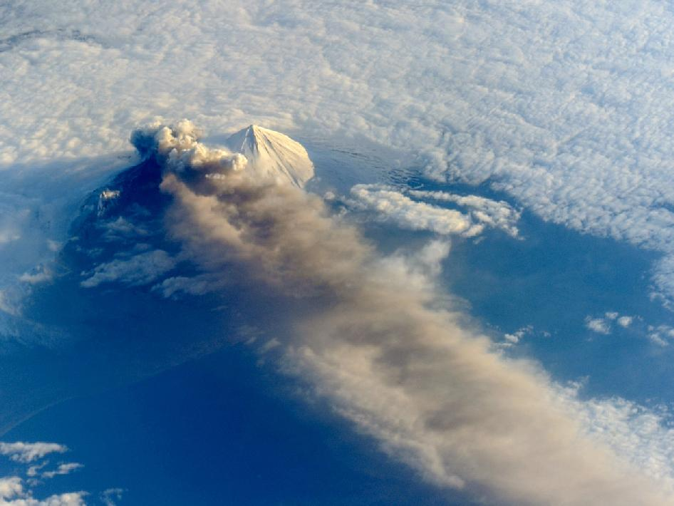 Amazing Ash Cloud Spied from Space Station