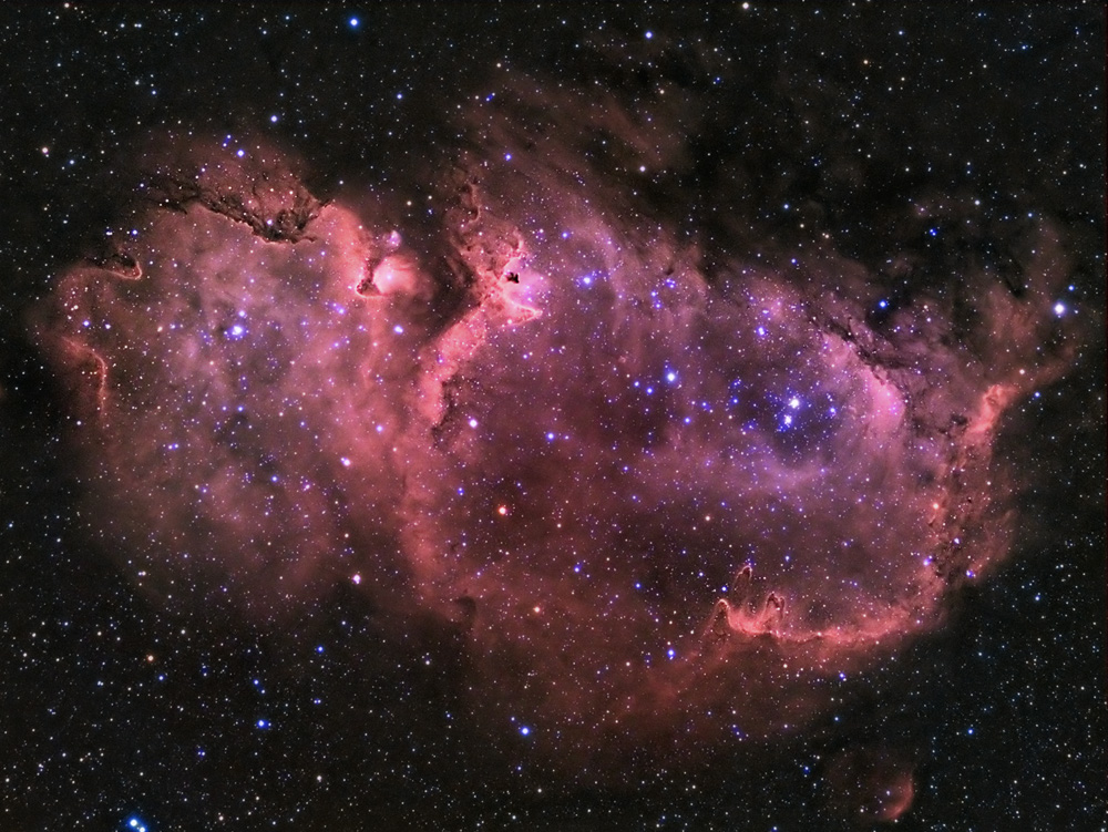 Wow! Soul-Searching Stargazer Spots Stunning Nebula (Photo)