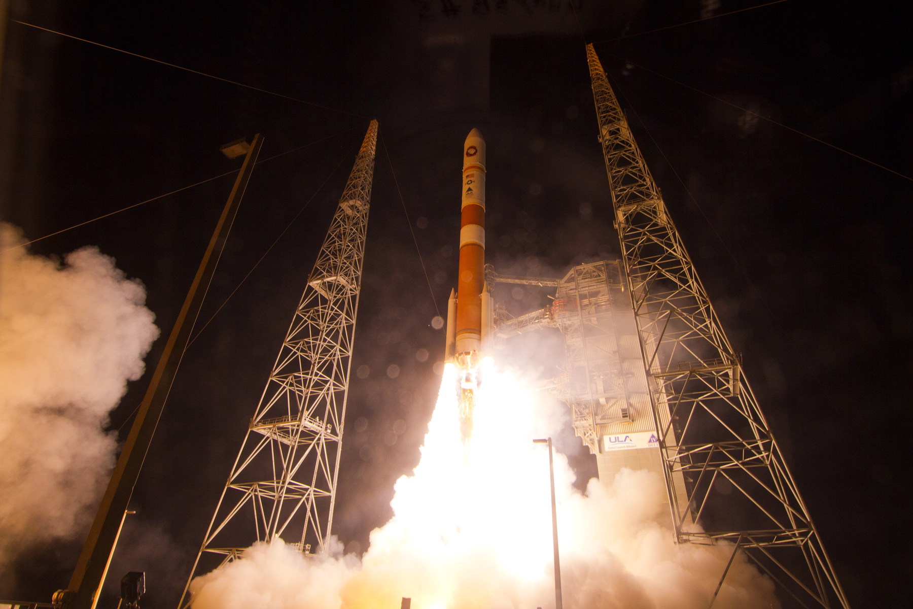 LIFTOFF! Delta 4 Rocket Launches WGS-5 Satellite