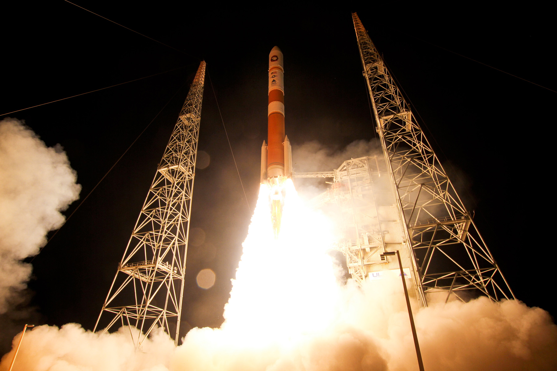 Delta 4 Rockets Lifts Off with WGS-5 Satellite
