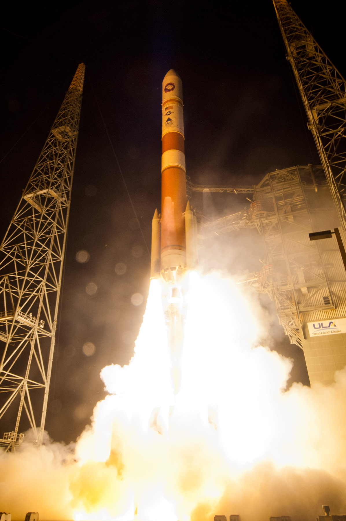 Night Launch: Delta 4 Rocket with  WGS-5 Satellite