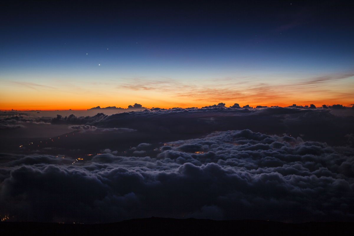 Triple Planet Alignment Seen on Haleakala Summit, Maui