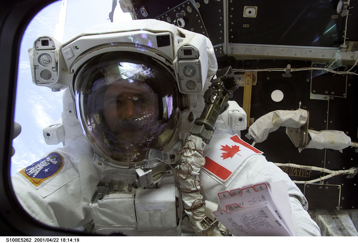 12 Highlights of Astronaut Chris Hadfield's High-Flying Career