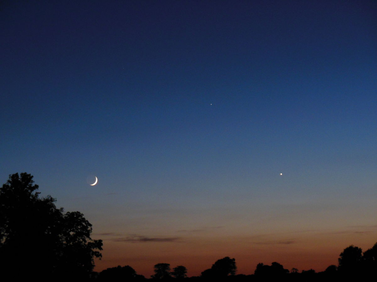 The Moon, Venus and Mercury Over Illinois