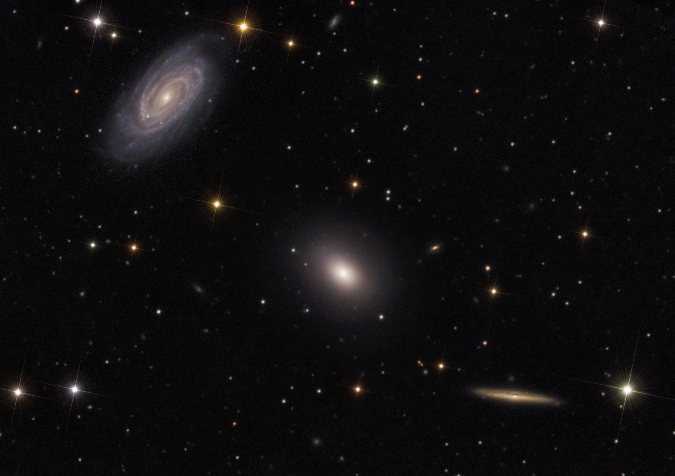 Three's Company In Space: Stargazers Spot Galaxy Trio (Photo)