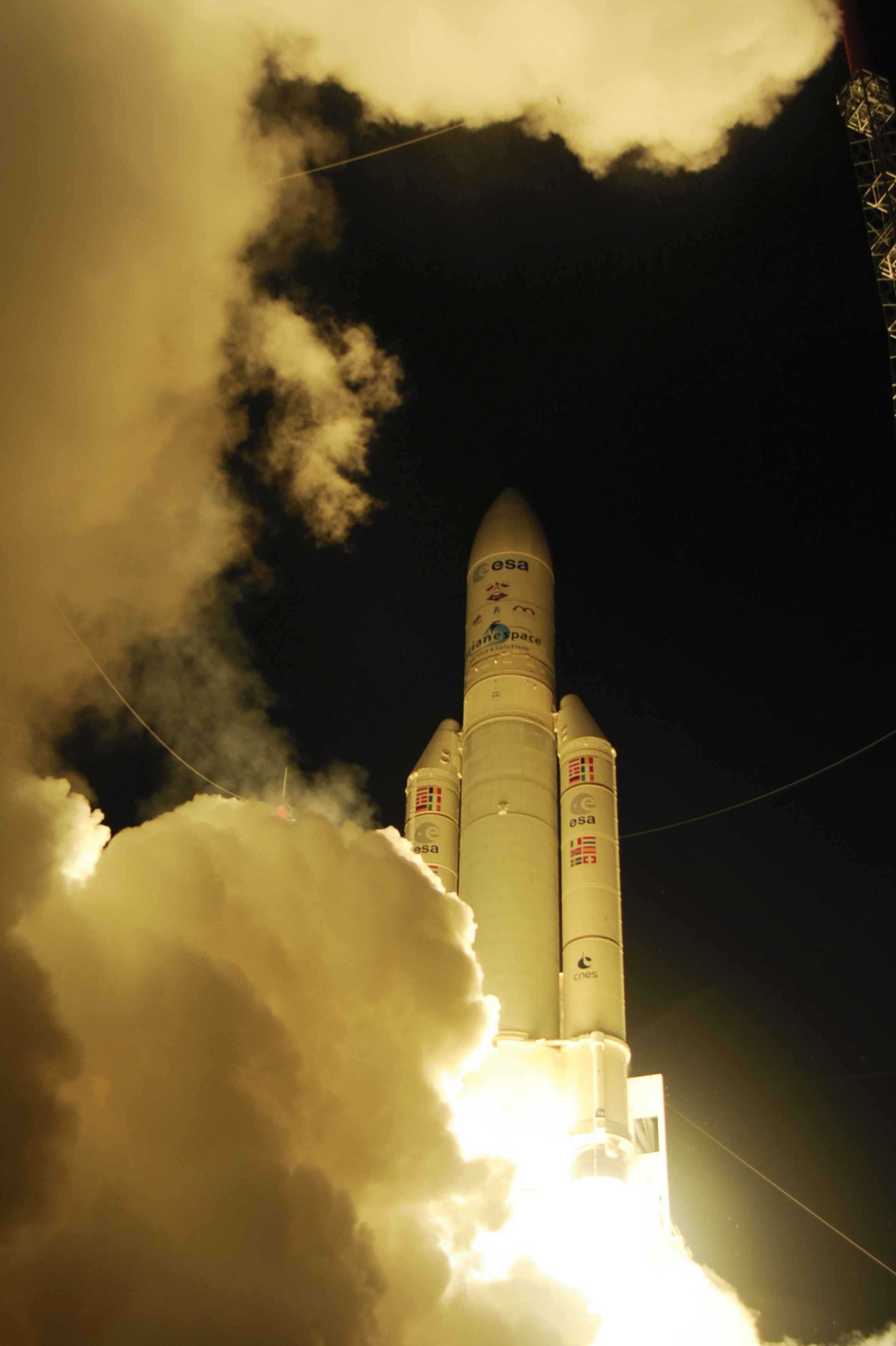 Ariane 5 Ascends with ATV-4