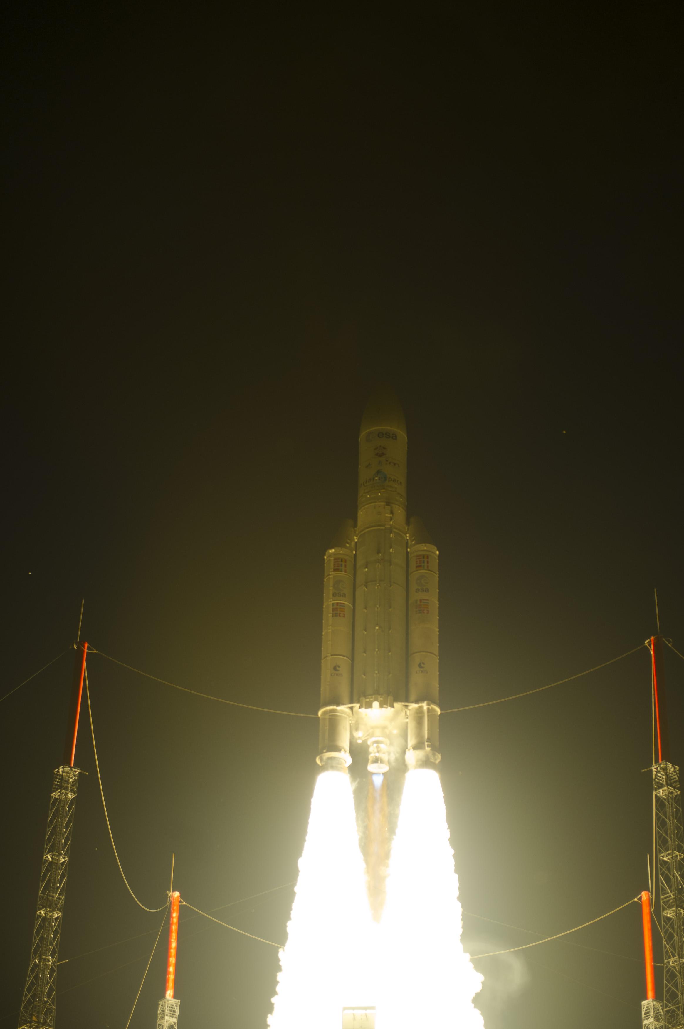 Ariane 5 Launches with ATV-4  'Albert Einstein'