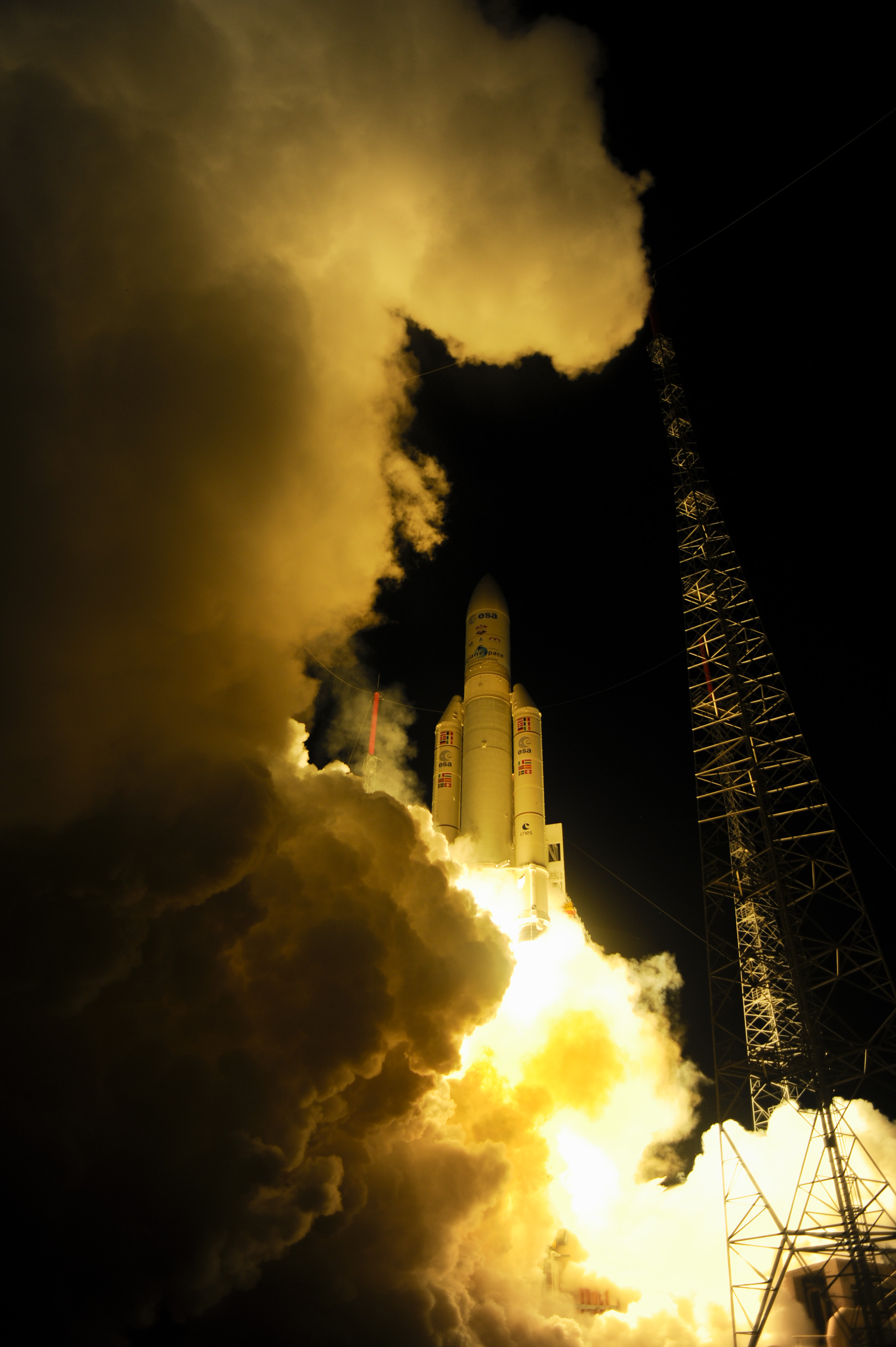 Ariane 5 Blasts Off with ATV-4 to ISS