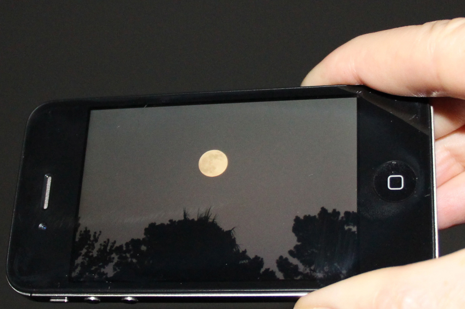 A Smartphone Supermoon: Lisa Werner