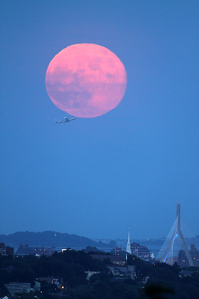 Supermoon 2013 Rises Over Boston: Joson Images