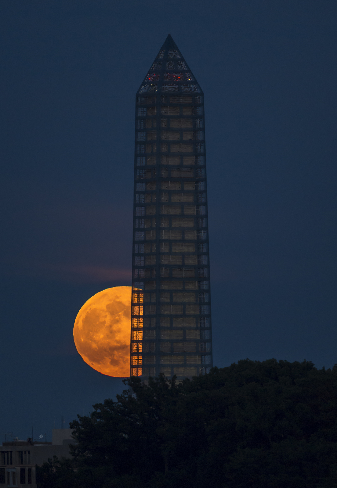 Supermoon Rises Over Washington Monument