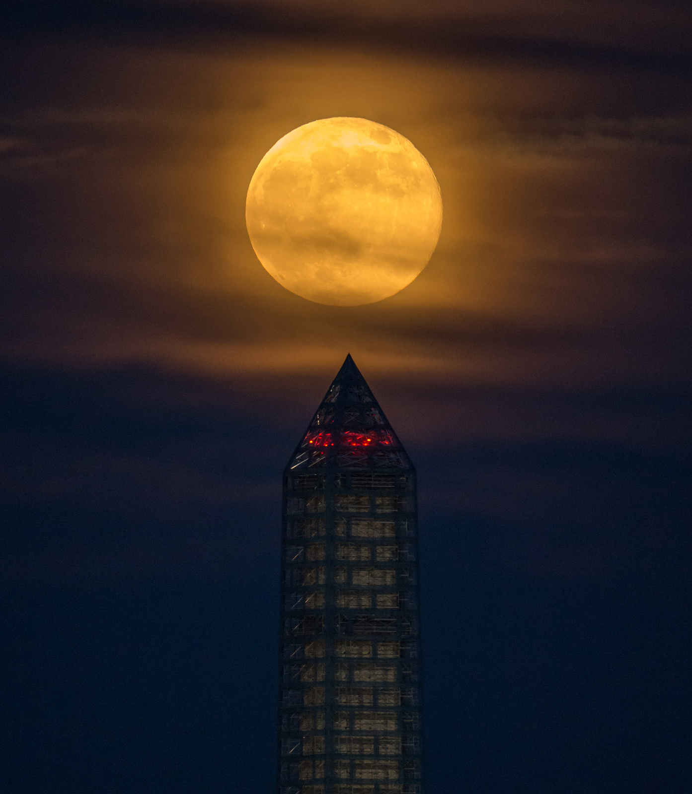 Supermoon Towers Over Washington Monument