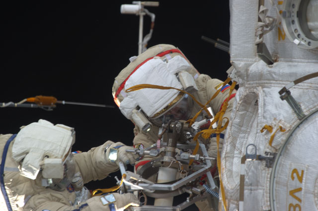 Cosmonauts Replace Aging Fluid Control Panel