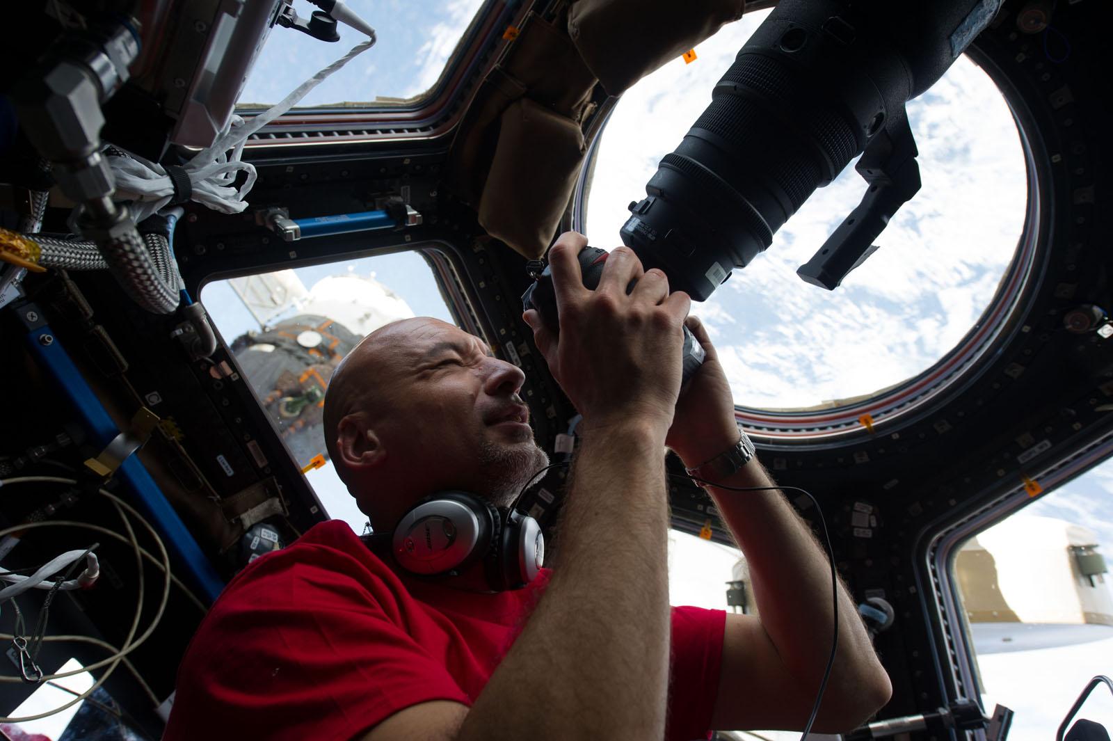 Italian Astronaut Luca Parmitano: Shutterbug