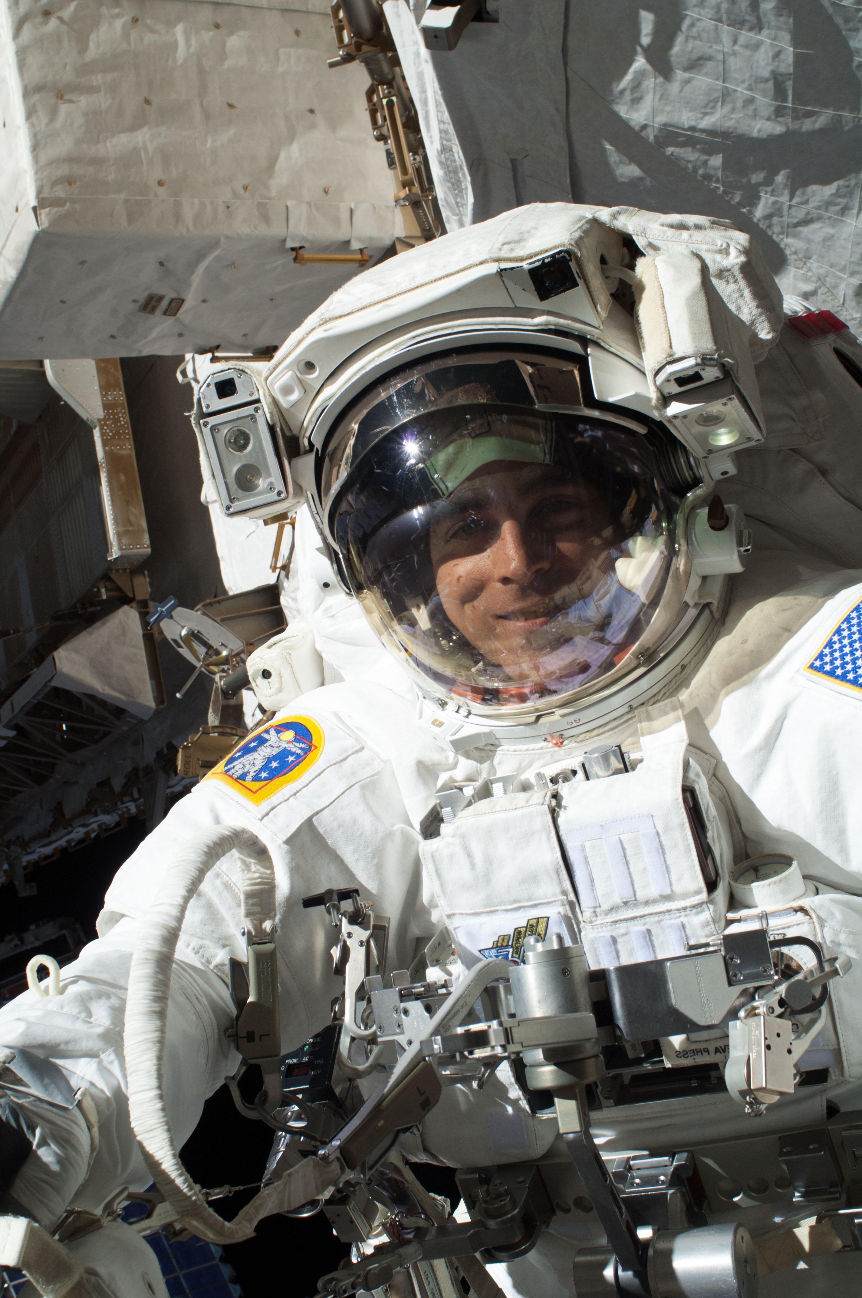 Photos: NASA Aborts Spacewalk After Spacesuit Water Leak