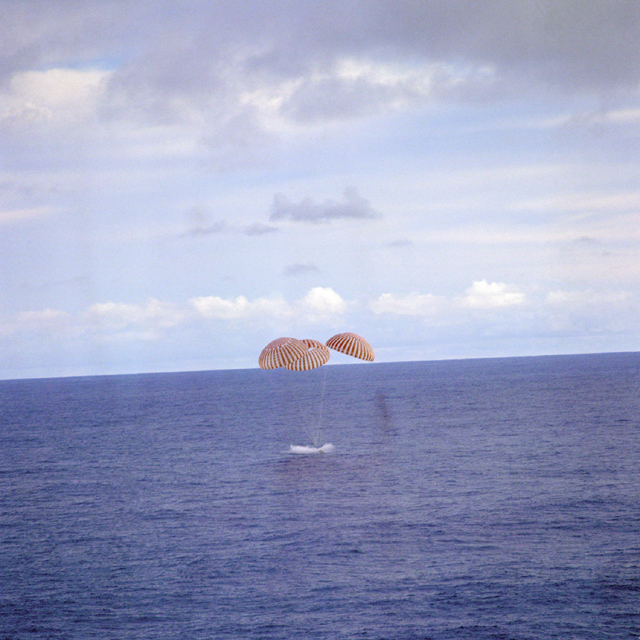 Space History Photo: Apollo 13 Splashdown
