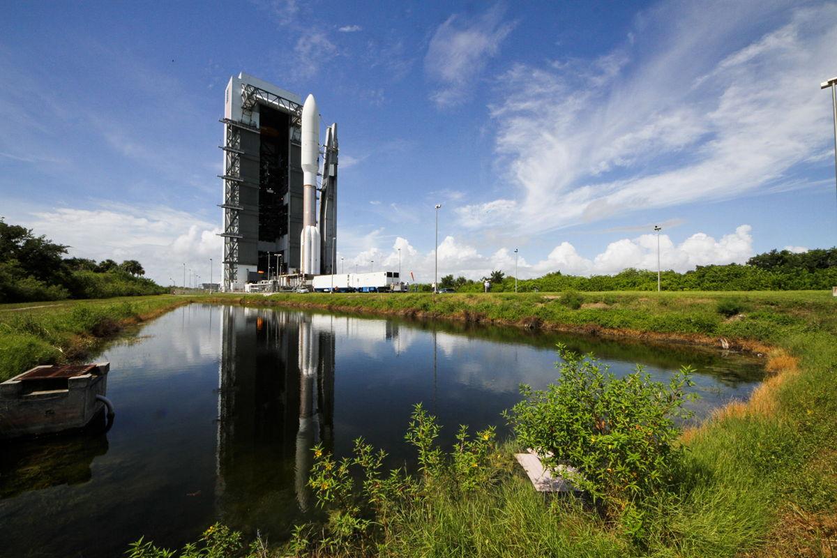 Atlas 5 Rocket Carries MUOS-2 Satellite Long Shot