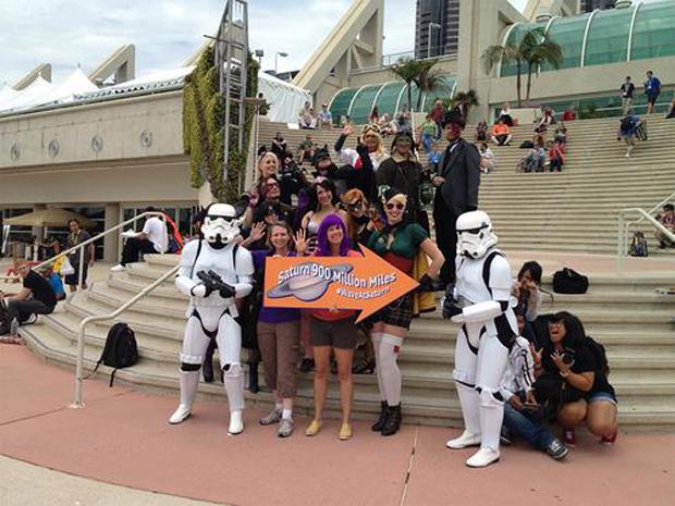 Comic-Con Waves at Saturn!
